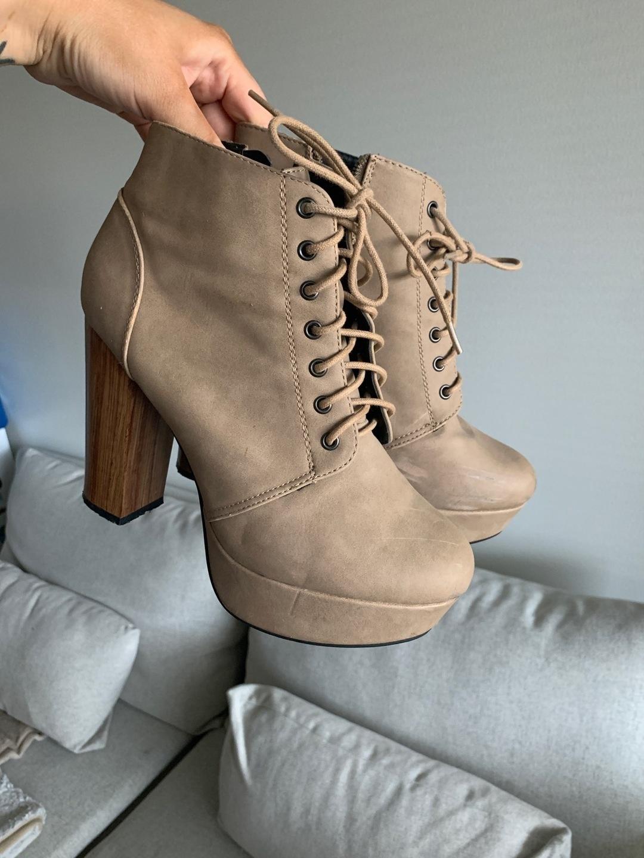 Women's heels & dress shoes - VOX SHOES photo 1