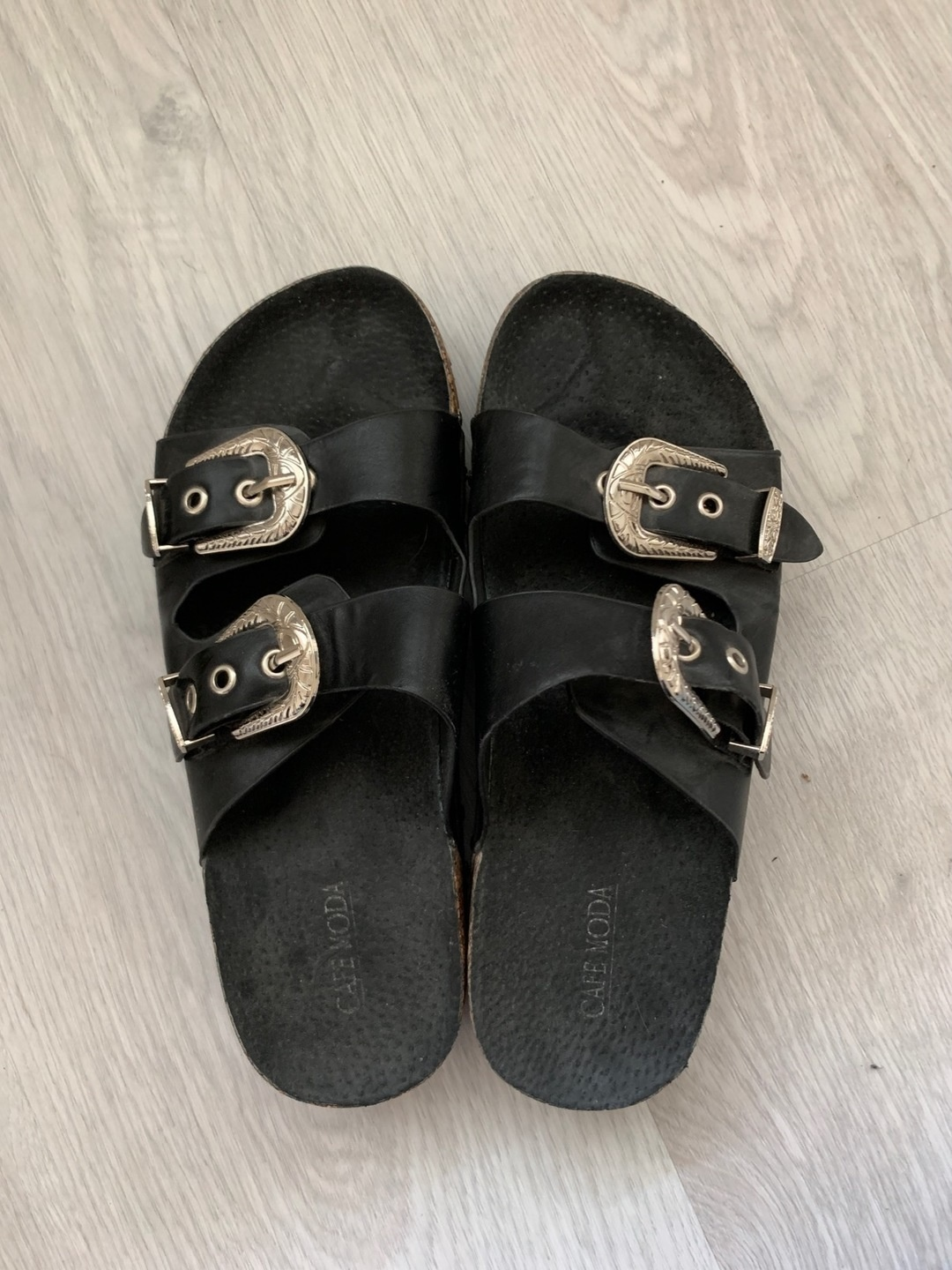 Women's sandals & slippers - CAFE MODA photo 2