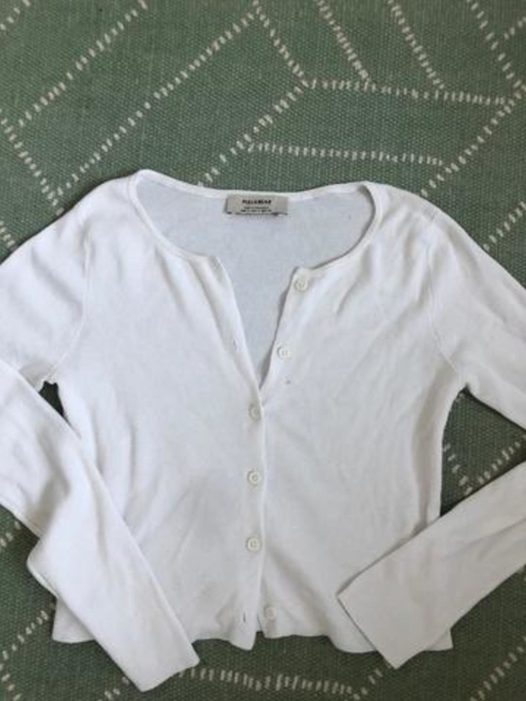 Damen tops & t-shirts - PULL& BEAR photo 1