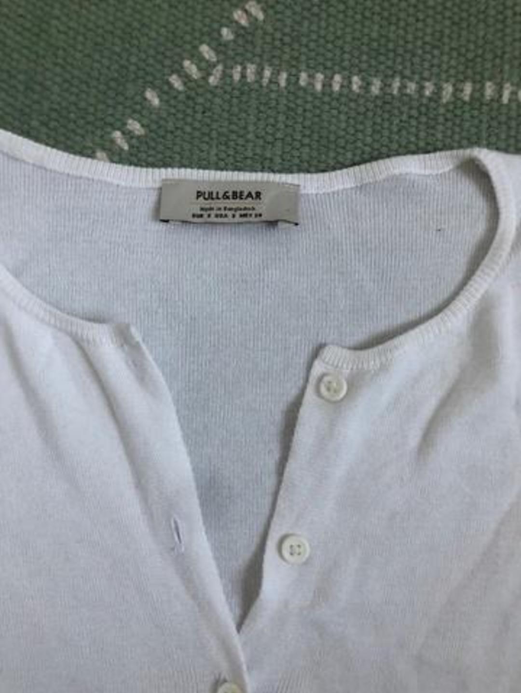 Damen tops & t-shirts - PULL& BEAR photo 2
