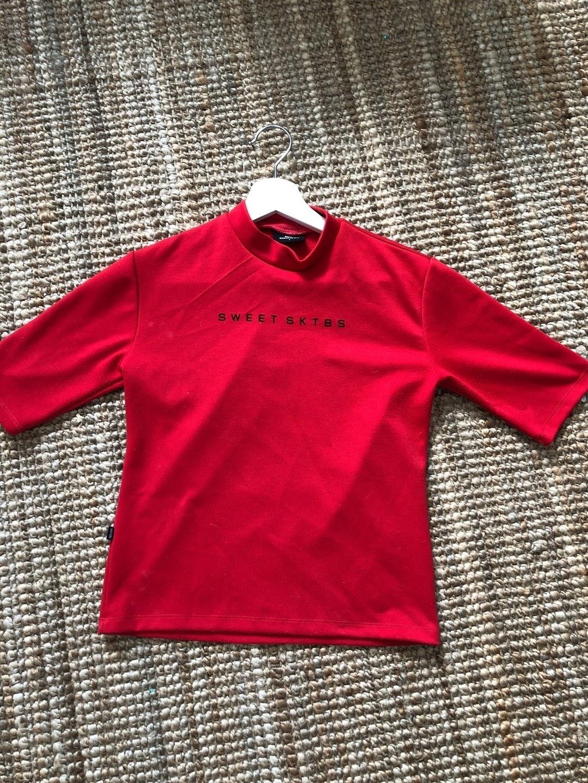 Women's tops & t-shirts - SWEET SKTBS photo 1