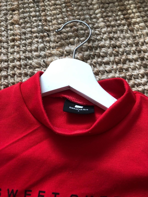 Women's tops & t-shirts - SWEET SKTBS photo 2