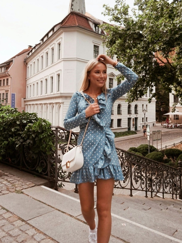 Women's dresses - CHICK WISH photo 1