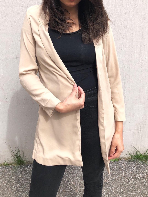 Naiset takit & jakut - ICONIC photo 3