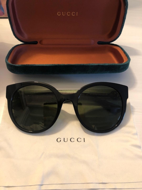 Women's sunglasses - GUCCI photo 2