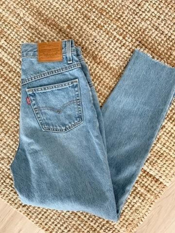 Women's trousers & jeans - LEVI'S photo 1