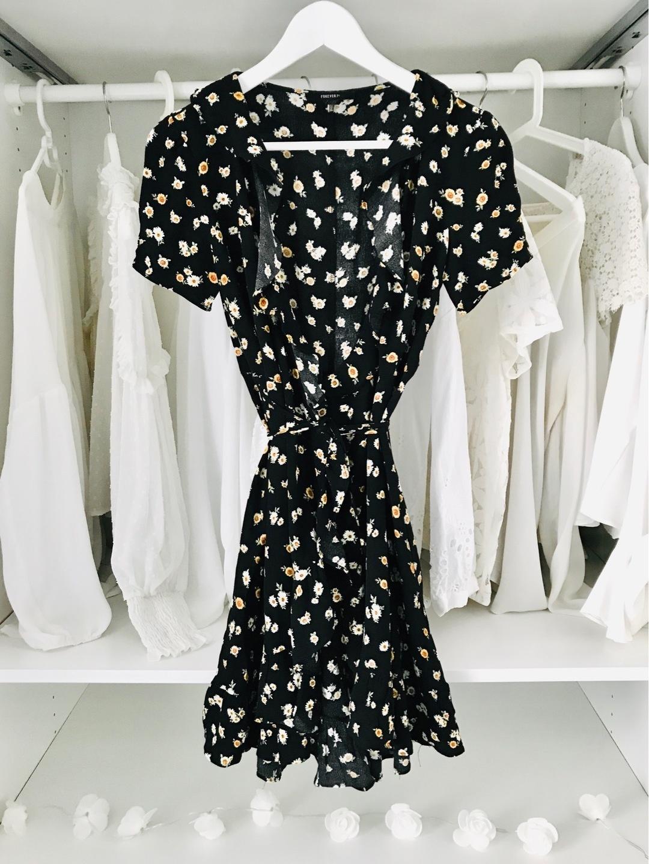 Women's dresses - FOREVER 21 photo 1