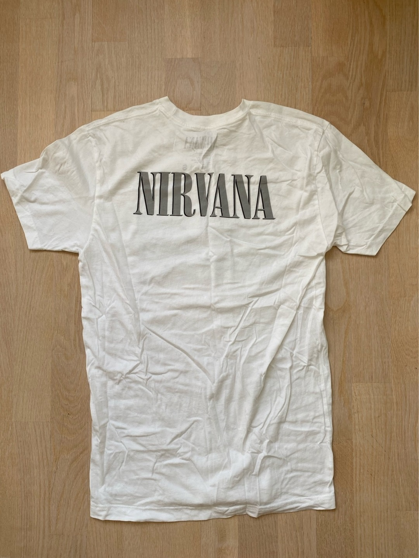 Women's tops & t-shirts - NIRVANA photo 2