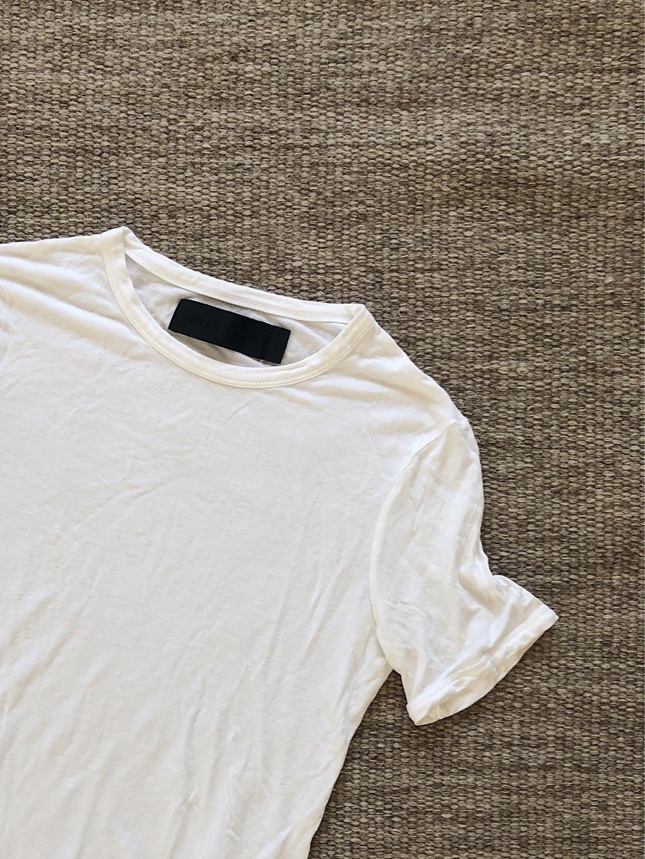 Women's tops & t-shirts - NEVER DENIM photo 1