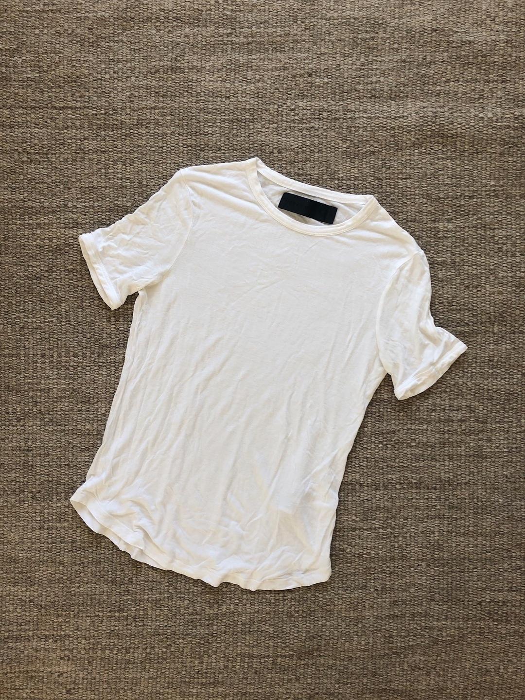 Women's tops & t-shirts - NEVER DENIM photo 2