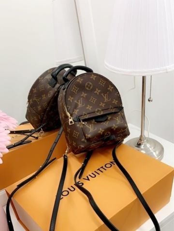 Naiset laukut & lompakot - LOUIS VUITTON photo 1
