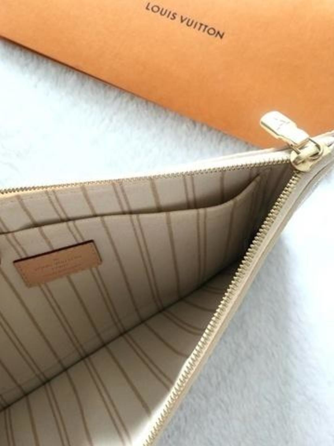 Women's bags & purses - LOUIS VUITTON photo 3