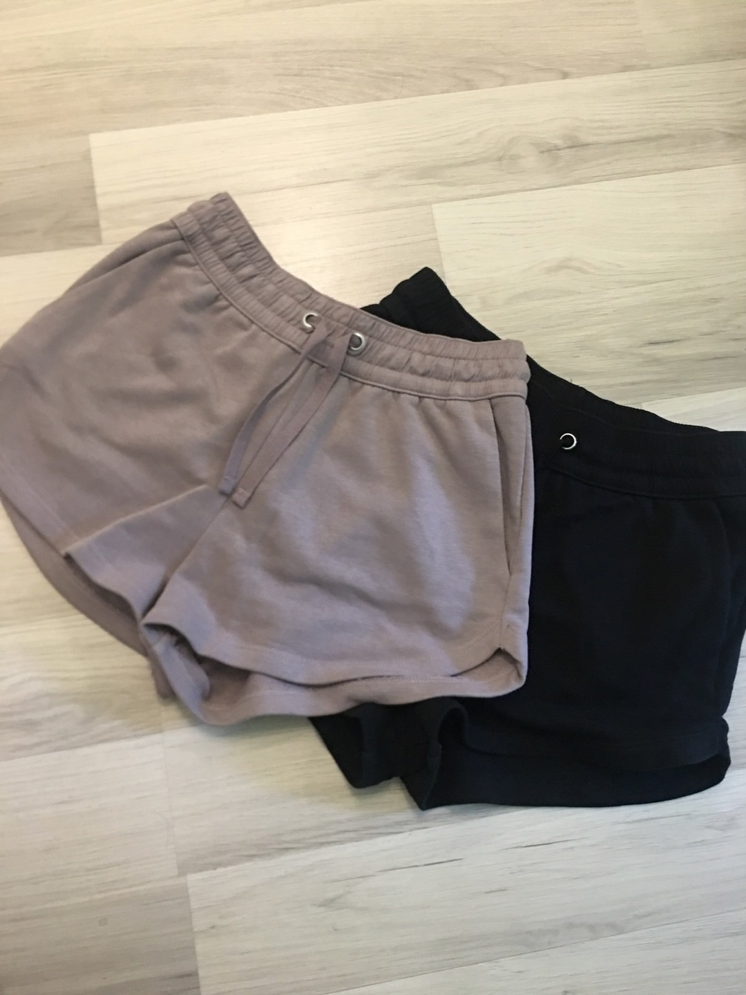 Women's shorts - H&M photo 1