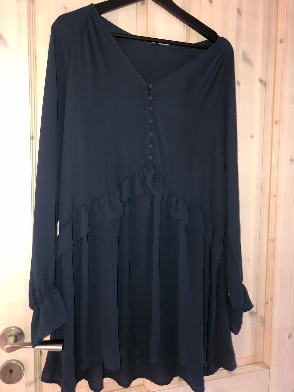 Damers kjoler - ONLY - NEON & NYLON photo 1