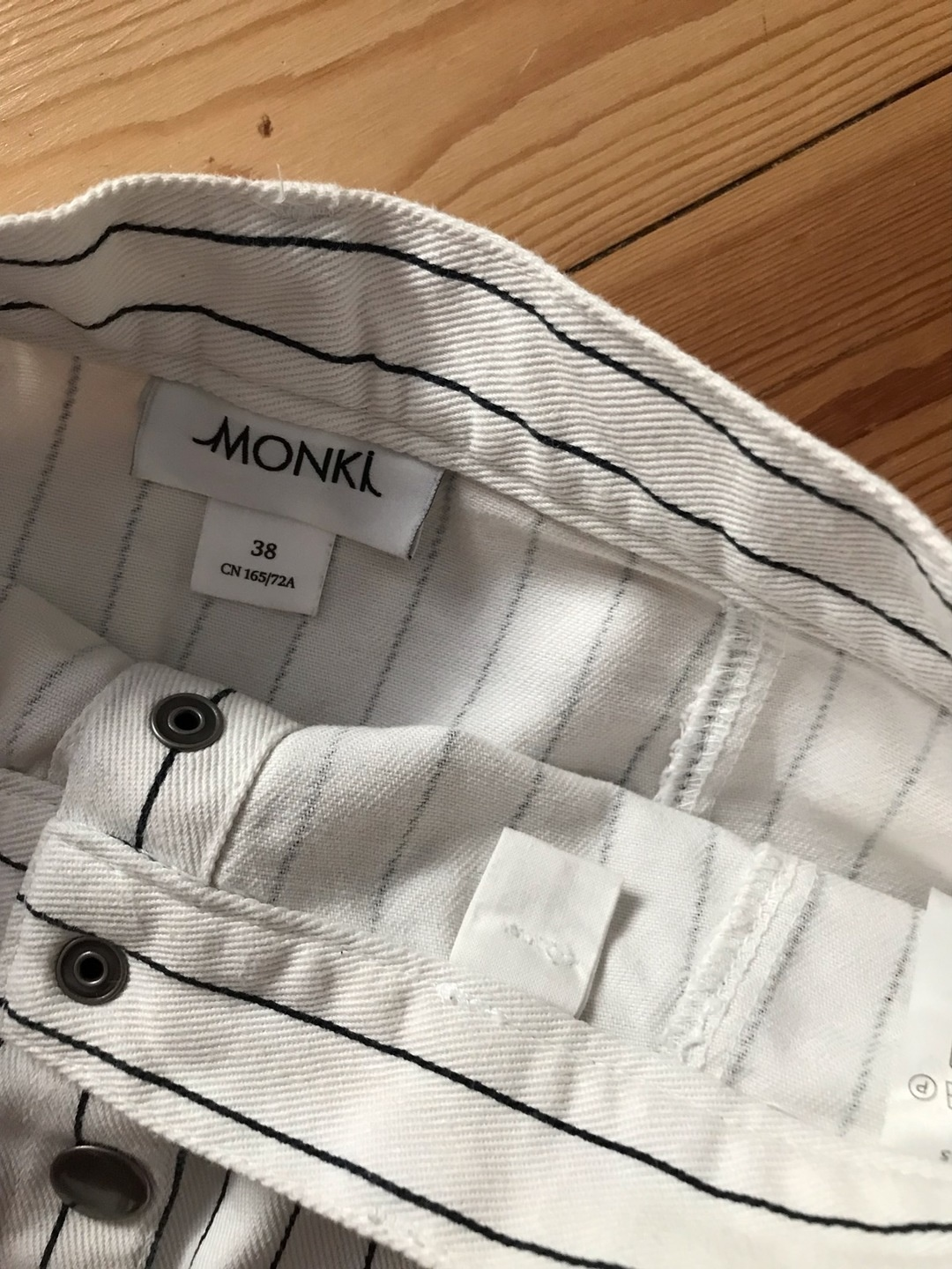 Women's skirts - MONKI photo 3