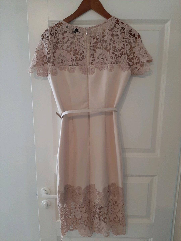 Damers kjoler - PAPER DOLLS LONDON photo 2