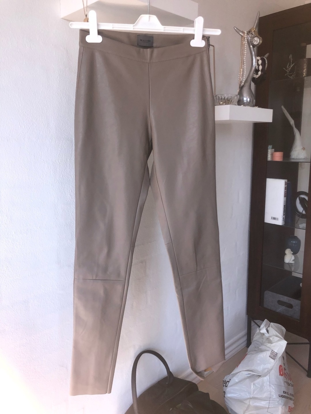 Women's trousers & jeans - SAND photo 1