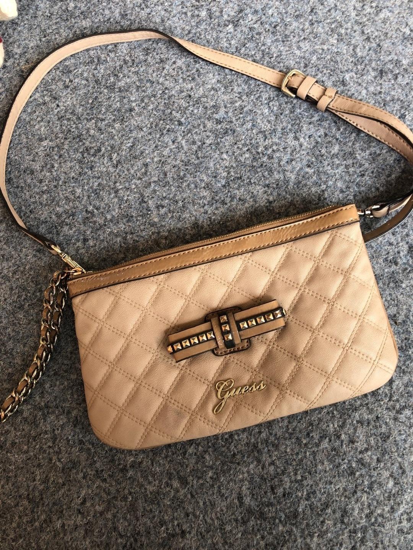 Damers tasker og punge - GUESS photo 1