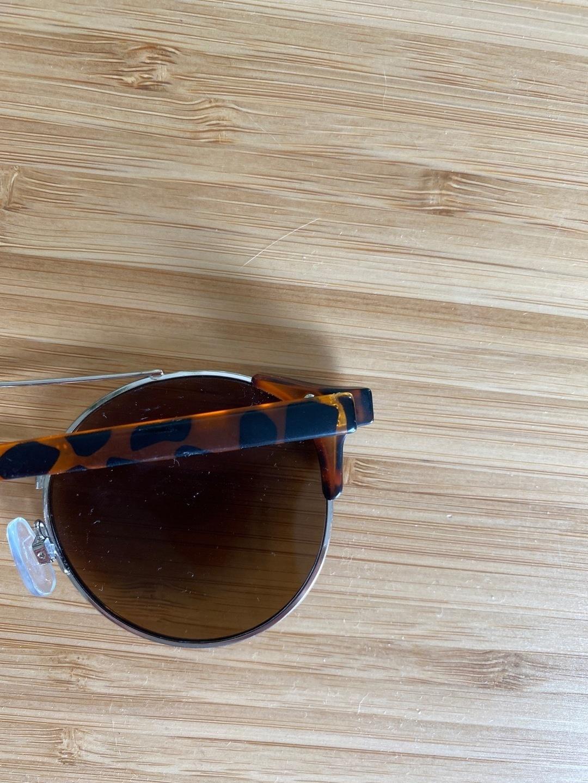 Women's sunglasses - OLIVER BONAS photo 3