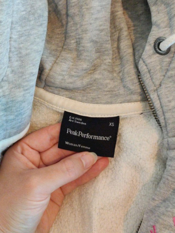 Women's hoodies & sweatshirts - PEAK PERFORMANCE photo 4