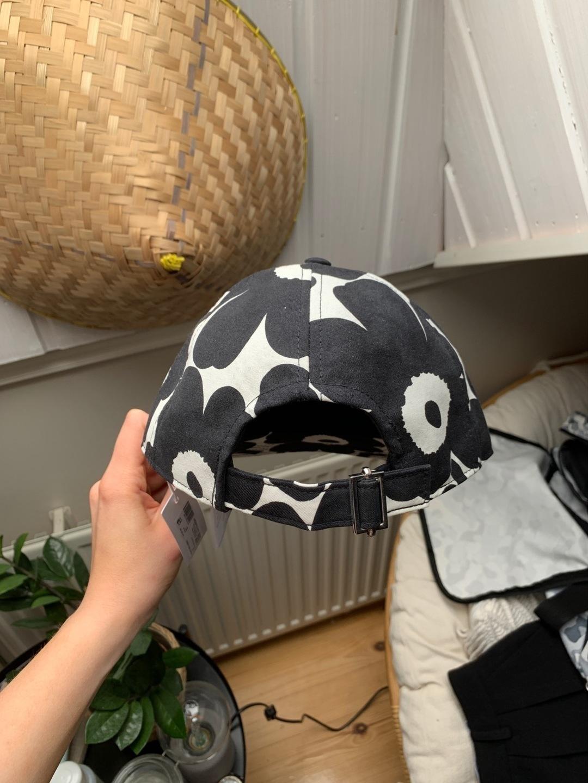 Women's hats & caps - MARIMEKKO photo 3