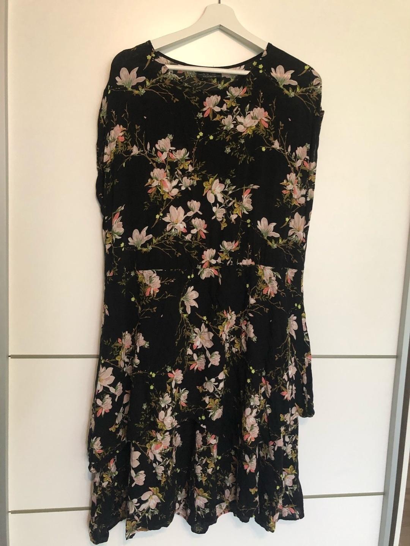 Women's dresses - ONE TWO LUXZUZ photo 1