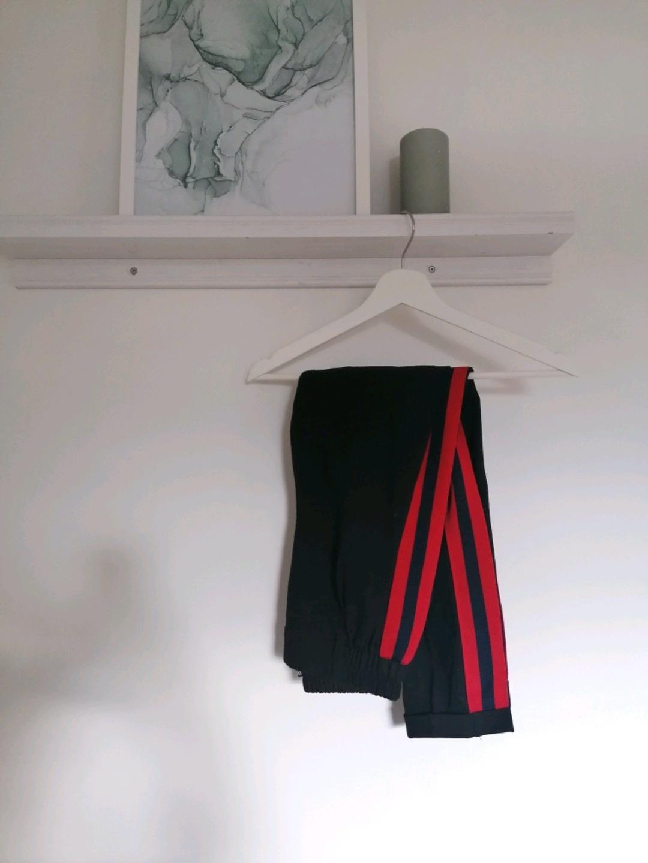 Women's trousers & jeans - BERSHKA photo 1