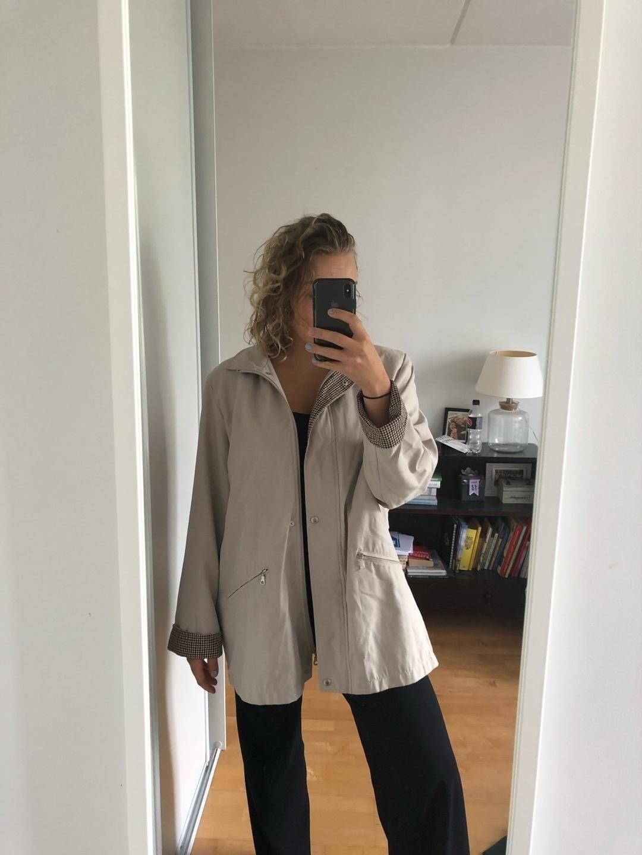 Women's coats & jackets - EI TIETOA,MUTTA TEHTY SUOMESSA photo 1