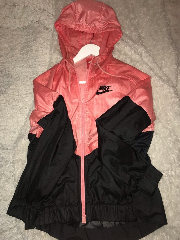 Women's coats & jackets - NIKE photo 2