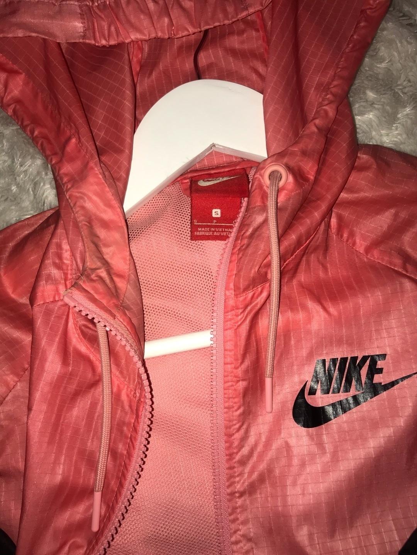 Women's coats & jackets - NIKE photo 3