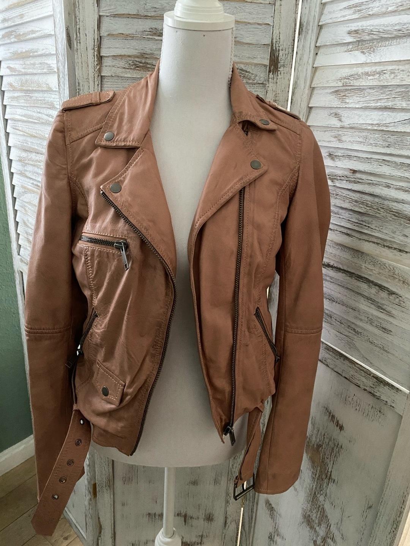 Naiset takit & jakut - REVIEW photo 1