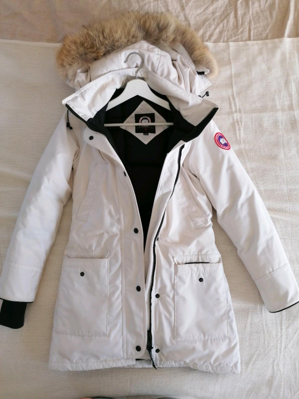 Women's coats & jackets - CANADA GOOSE photo 1