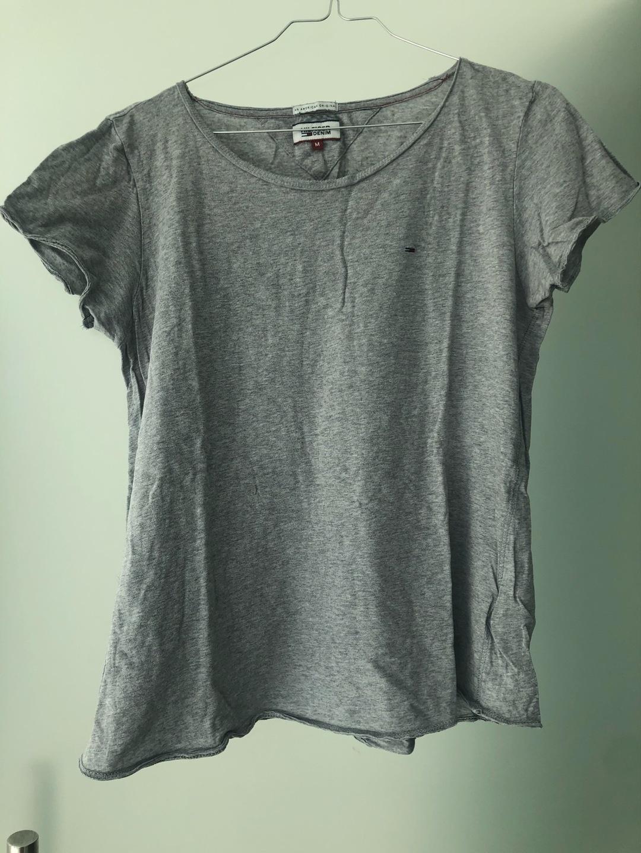 Women's tops & t-shirts - TOMMY HILFIGER photo 1