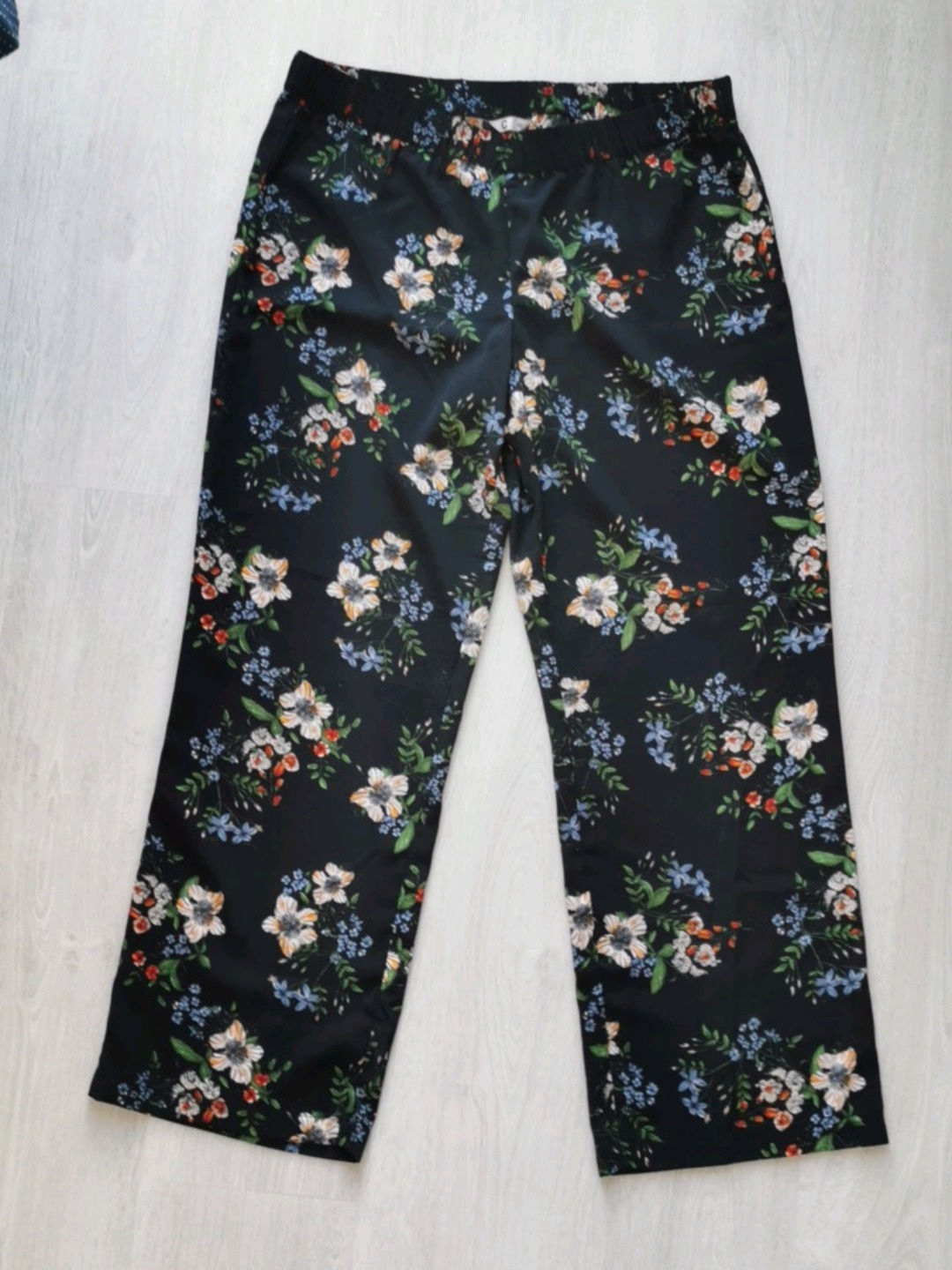Women's trousers & jeans - CUBUS photo 1