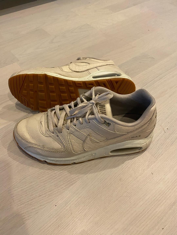 Damers sneakers - NIKE photo 1