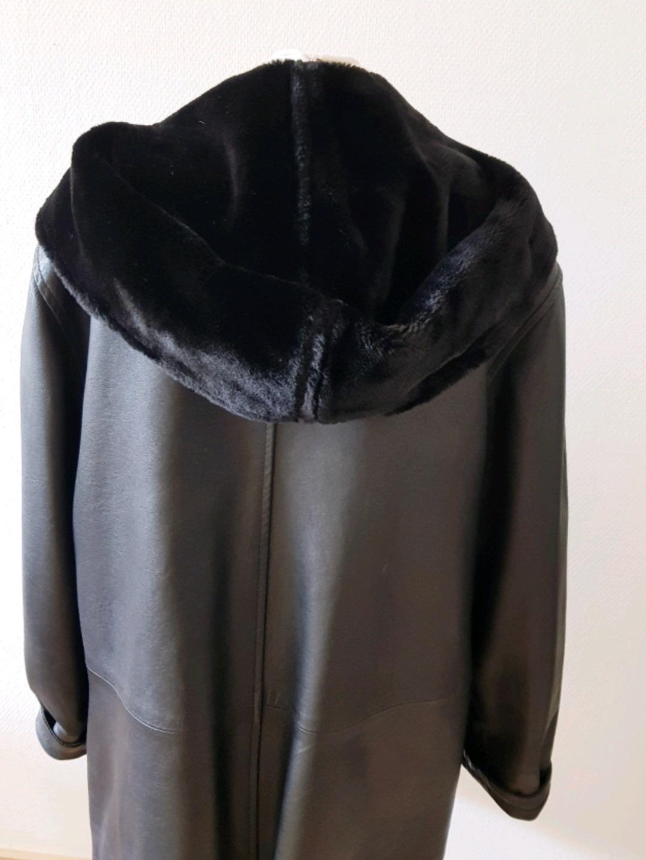 Women's coats & jackets - JOY photo 2