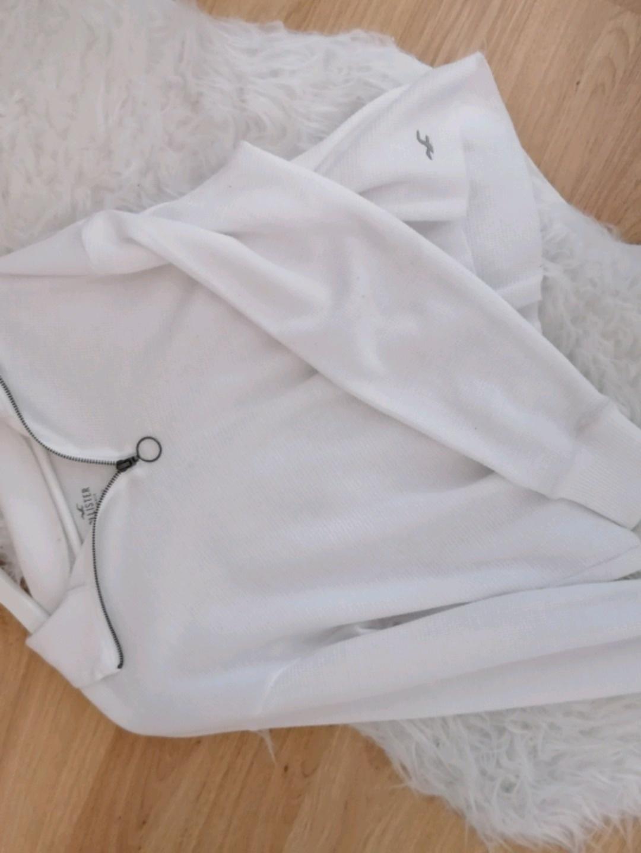 Damers bluser og skjorter - HOLLISTER photo 2