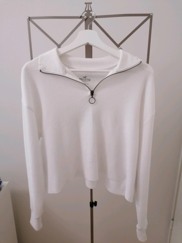 Damers bluser og skjorter - HOLLISTER photo 1