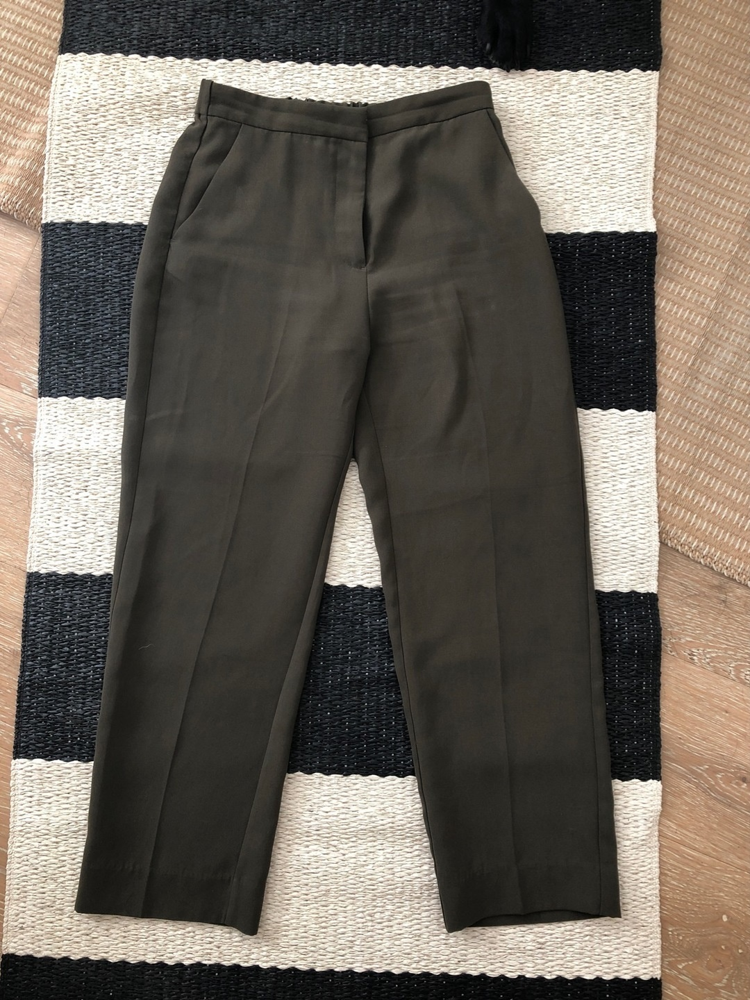 Women's trousers & jeans - MONKI photo 2