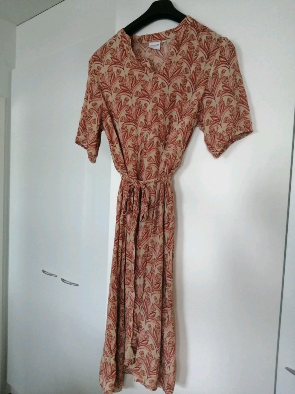 Women's dresses - JUNAROSE photo 1