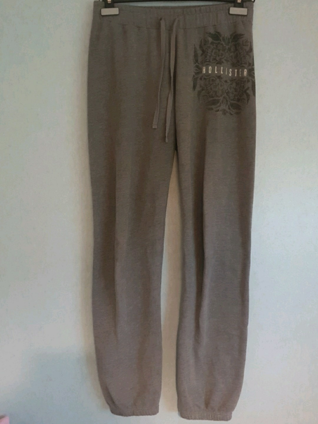 Women's trousers & jeans - HOLLISTER photo 2
