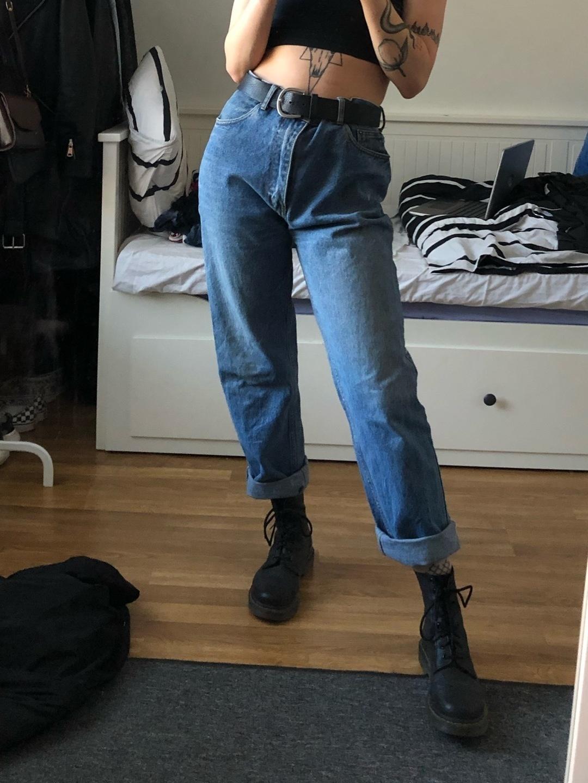 Women's trousers & jeans - LEVIS' photo 1