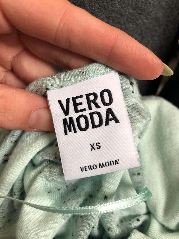 Naiset topit & t-paidat - VERO MODA photo 3