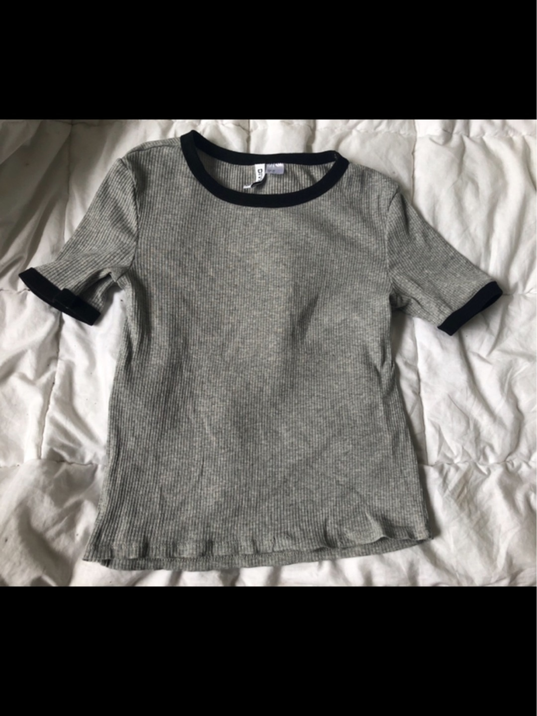 Women's tops & t-shirts - DIVIDED BY H&M photo 2