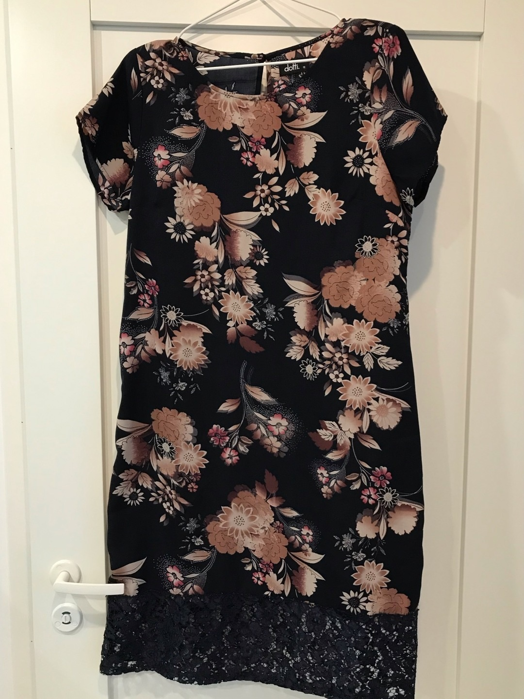 Women's dresses - DOTTI photo 1