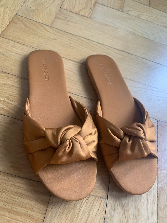 Women's sandals & slippers - HALLHUBER photo 4