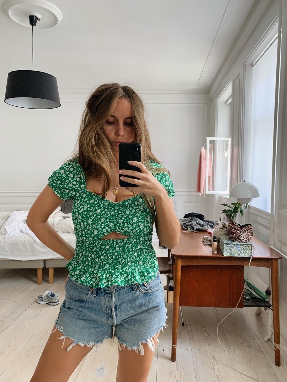 Women's blouses & shirts - BERSHKA photo 2