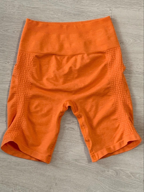Women's sportswear - ALPHALETE photo 1