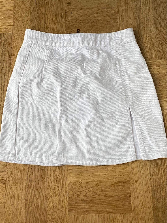 Women's skirts - LIONESS photo 3