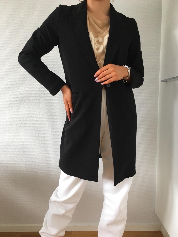 Women's blazers & suits - GINA TRICOT photo 3